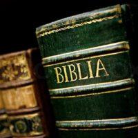 Bibler og Salmebøger
